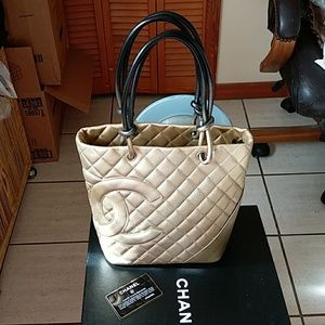 Gorgeous authentic Chanel tote bag Italy